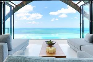 The Lounge at Villa Moonshadow